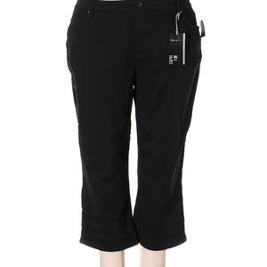 Style & Co Black Capri NWT